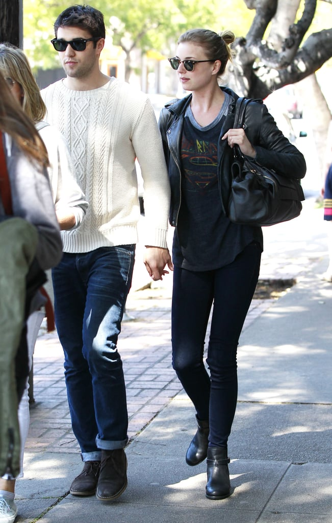 Revenge cast dating in real life