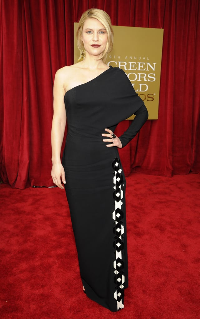 Claire Danes wore a black one shoulder dress at the SAGs.