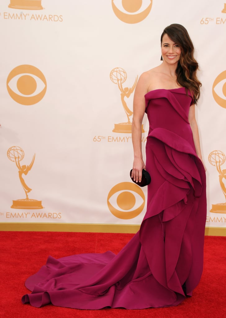 Linda Cardellini on the red carpet at the 2013 Emmy Awards.