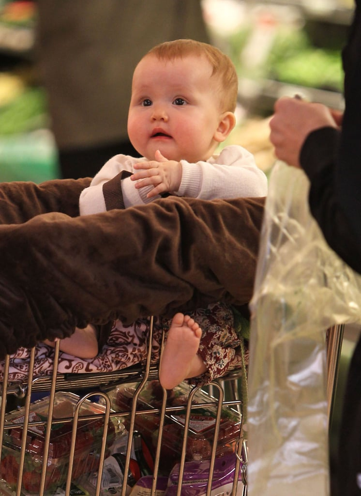 Haven Warren enjoyed the shopping trip with her mom Jessica Alba to the Whole Foods in LA.
