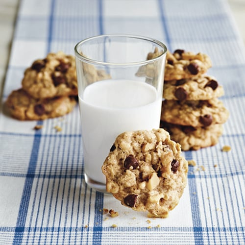 Kitchen-Sink Oatmeal Cookies