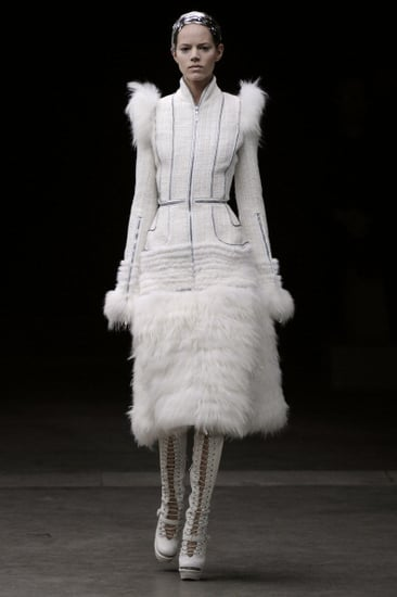Fall 2011 Paris Fashion Week: Alexander McQueen 2011-03-09 07:20:31