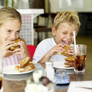 Mommy Dearest: Distressed By Diners' Dirty Looks