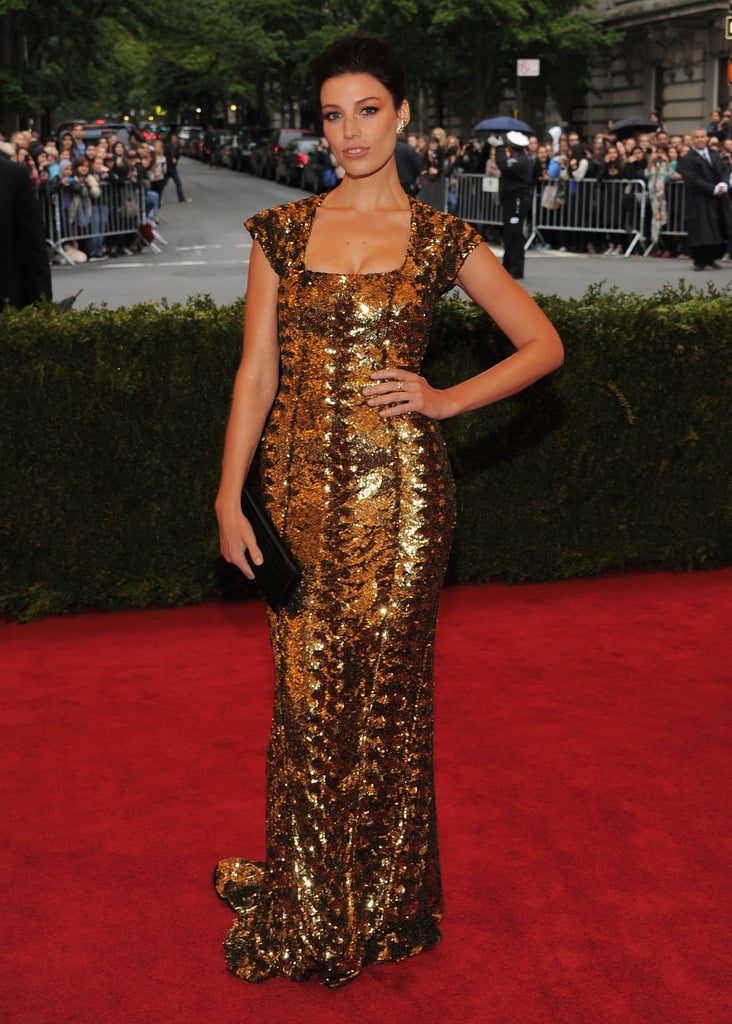 Jessica Paré was lovely in metallic gold.