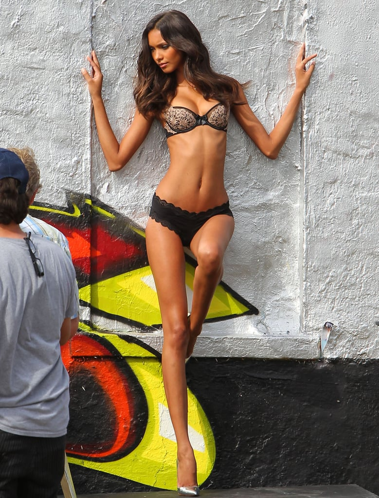 Lais Ribeiro posed against a wall.
