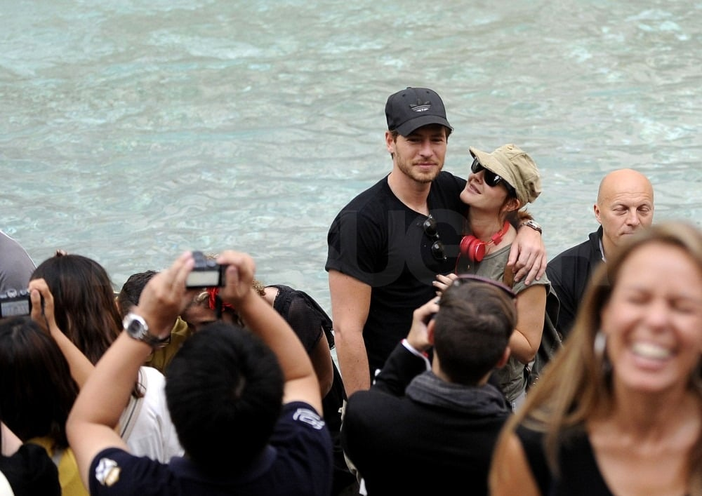 Drew and Will hugged in front of the famous Trevi fountain.