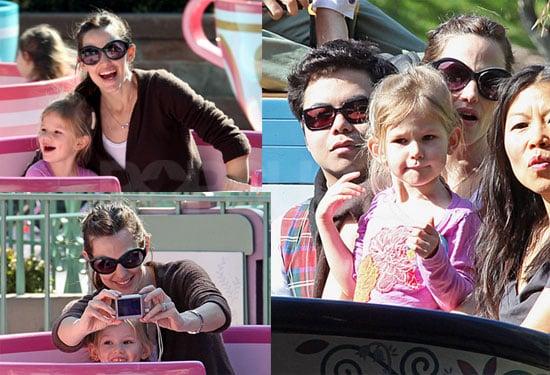 Photos of Jennifer Garner and Violet Affleck Enjoying Disneyland Together