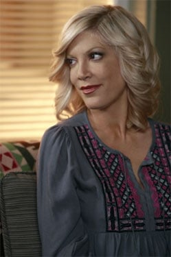 """Preview Clip for 90210 Episode """"Okaeri, Donna!"""" with Tori Spelling"""
