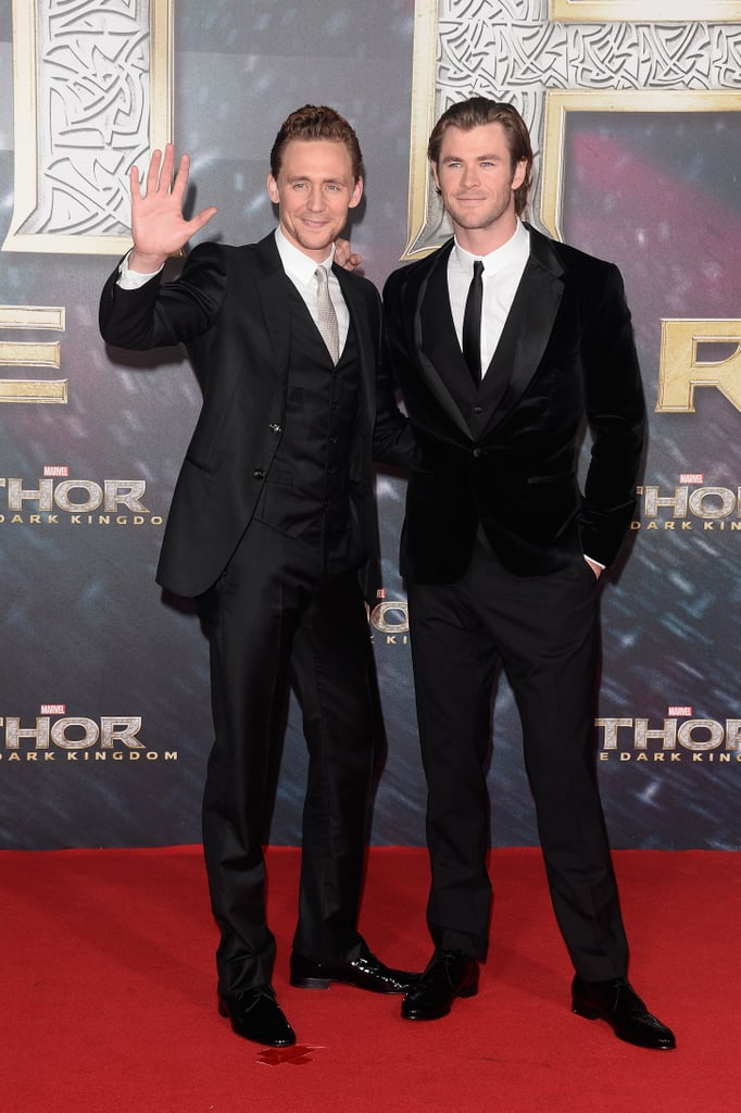 Tom Hiddleston and Chris Hemsworth posed together on the red carpet.