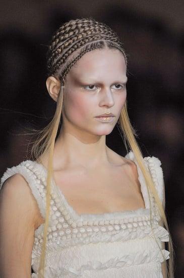Alexander McQueen Fall 2014 Hair and Makeup | Runway