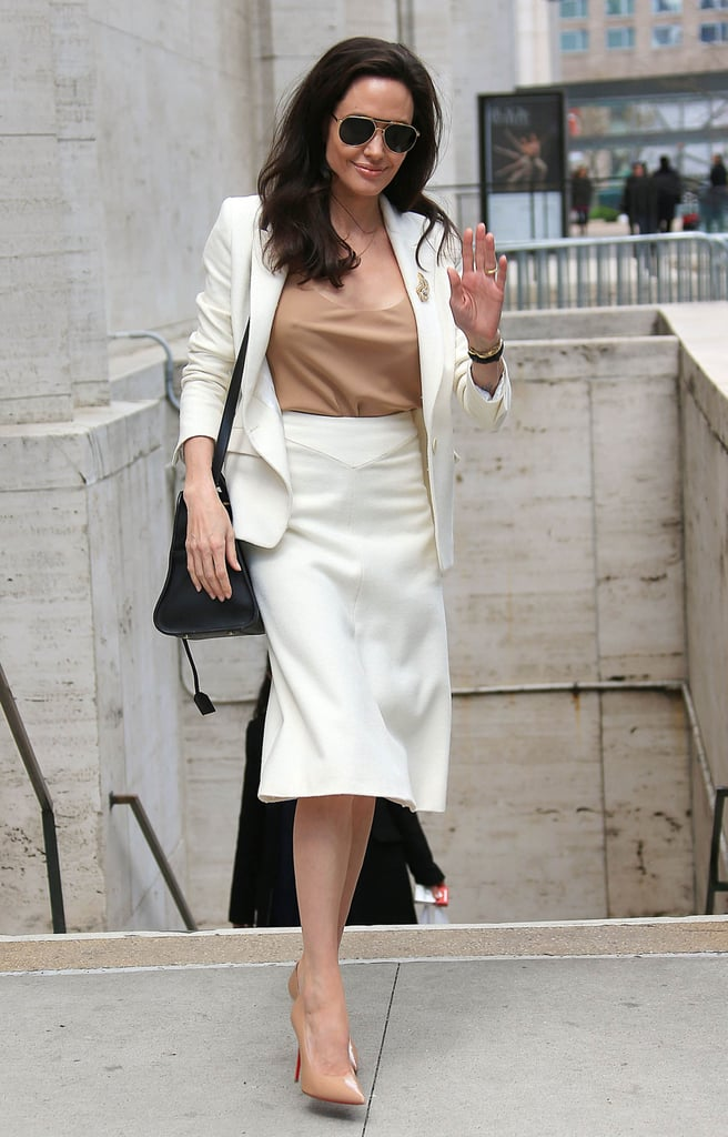 News Pics and More... - Page 4 Neutral-Separates-Understated-Unmissable