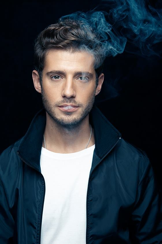 Hot Julian Morris Pict...