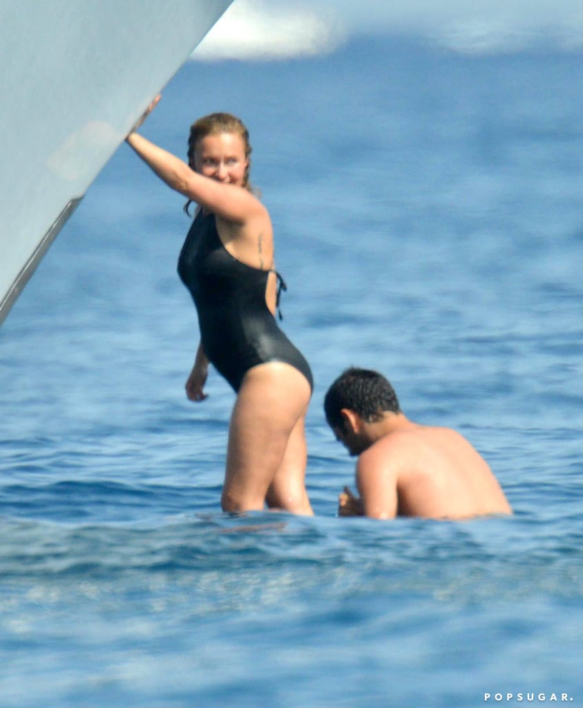 Hayden Panettiere Debuts Her Baby Bump on a Boat!