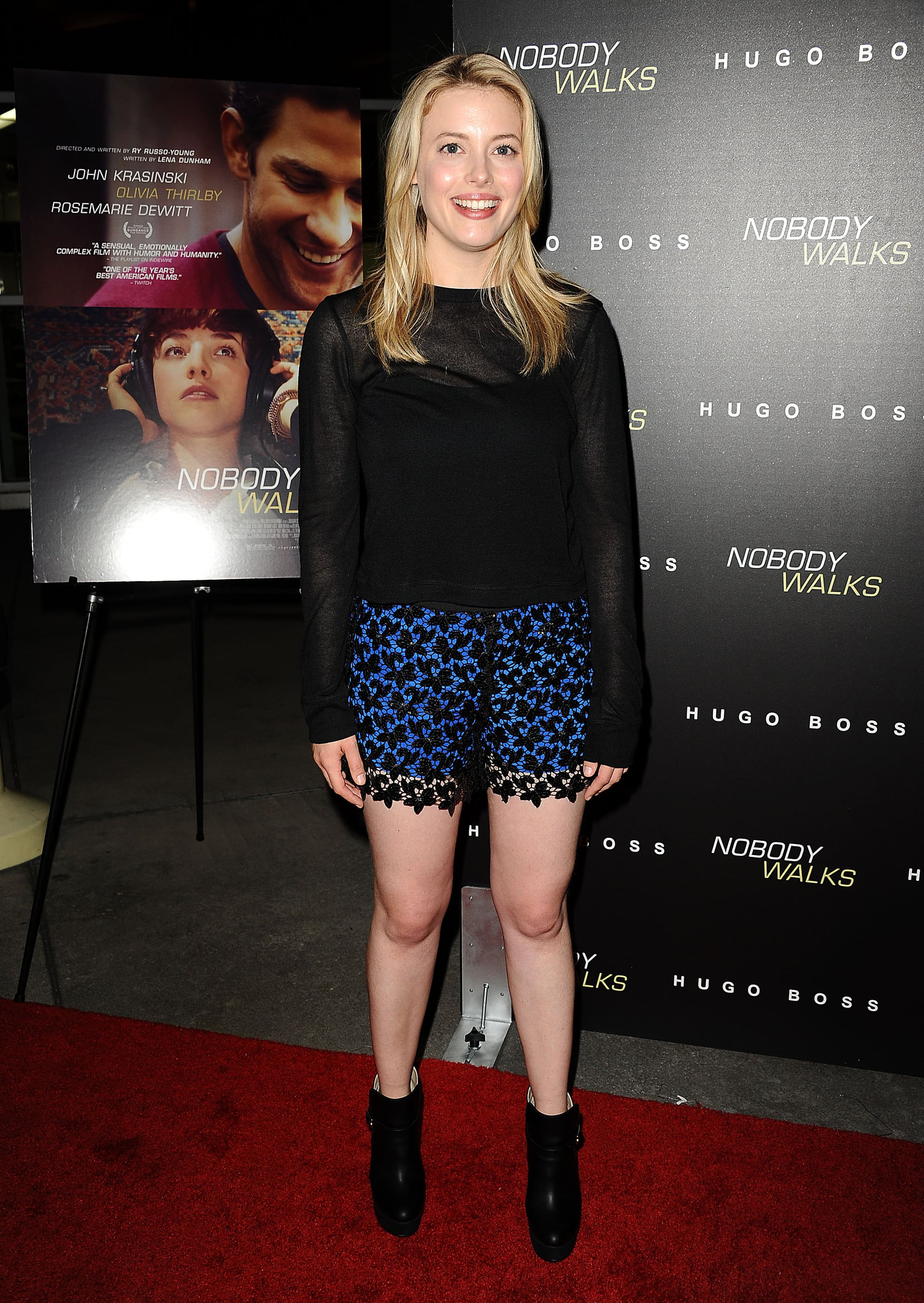 Gillian Jacobs showed some leg at the Nobody Walks premiere.