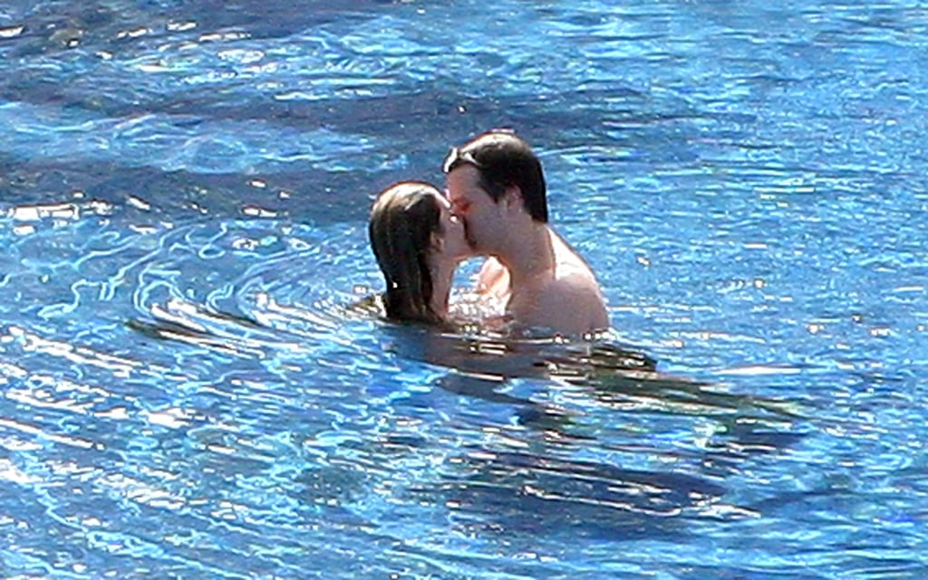 Gisele Bündchen and Tom Brady shared a passionate kiss in the pool while on vacation in Mexico in January 2009.