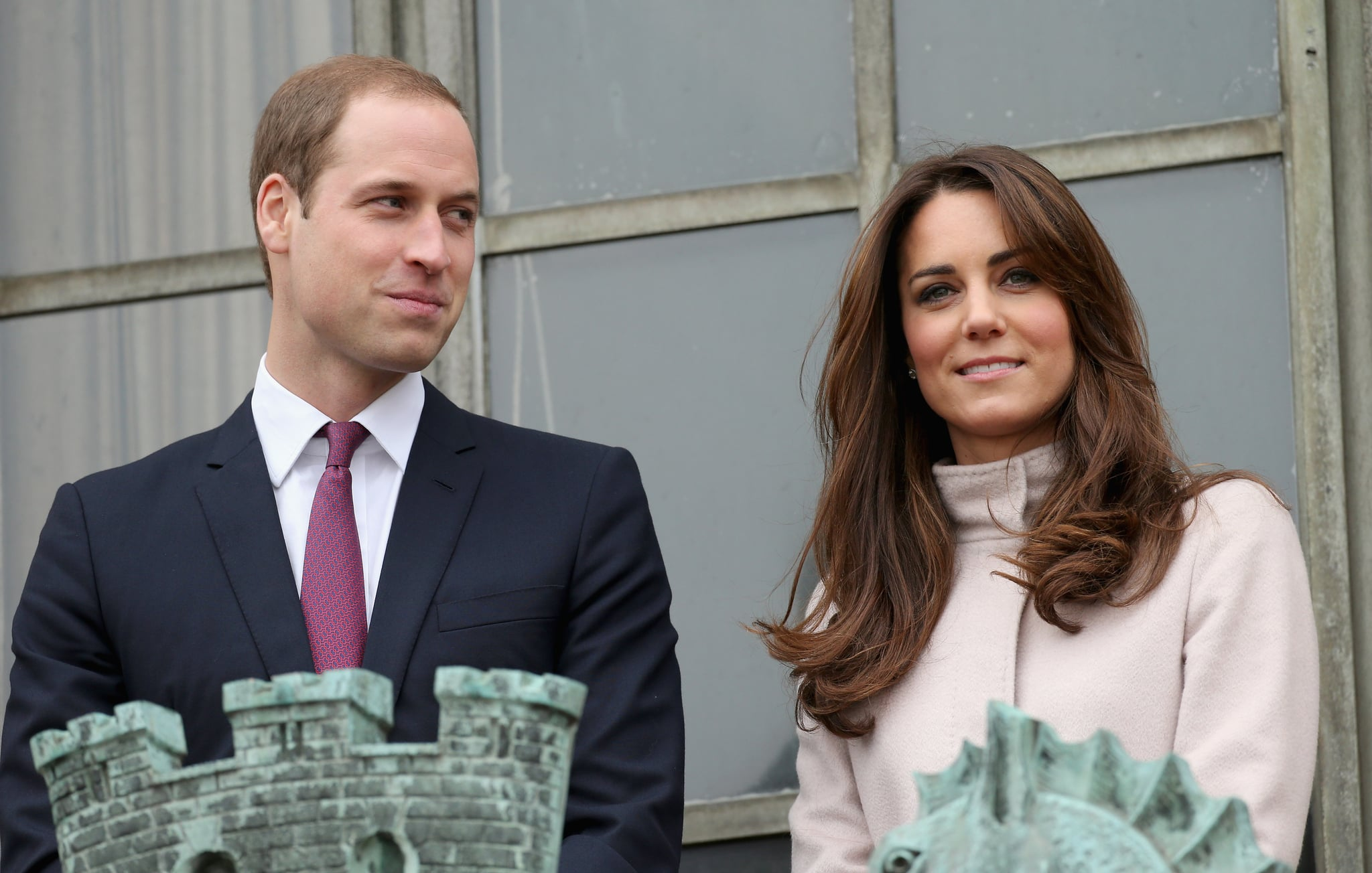 Kate Middleton and Prince William arrived in Cambridge for their official visit.