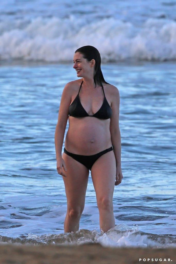 Anne Hathaway Pregnant Bikini Pictures January 2016 ... энн хэтэуэй слили
