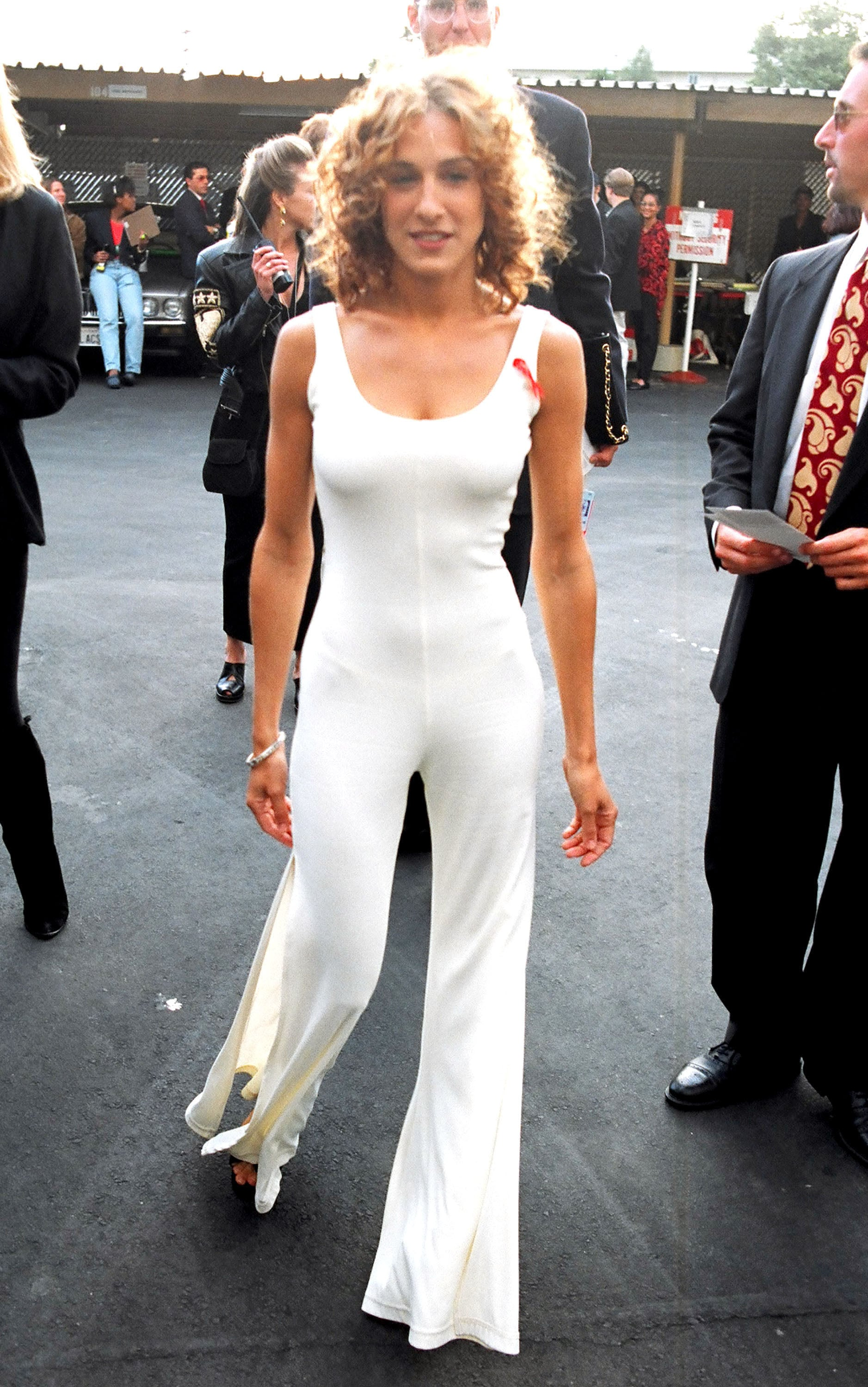 Carrie Bradshaw — er, SJP — sported a white jumpsuit.