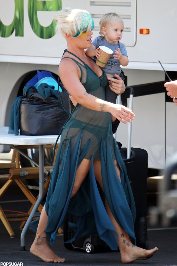 Pink Shows Skin on Set With Baby Willow