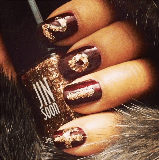 These glittering fingernails would have been a perfect complement for a sparkly dress. Source: Instagram user jinsoonchoi