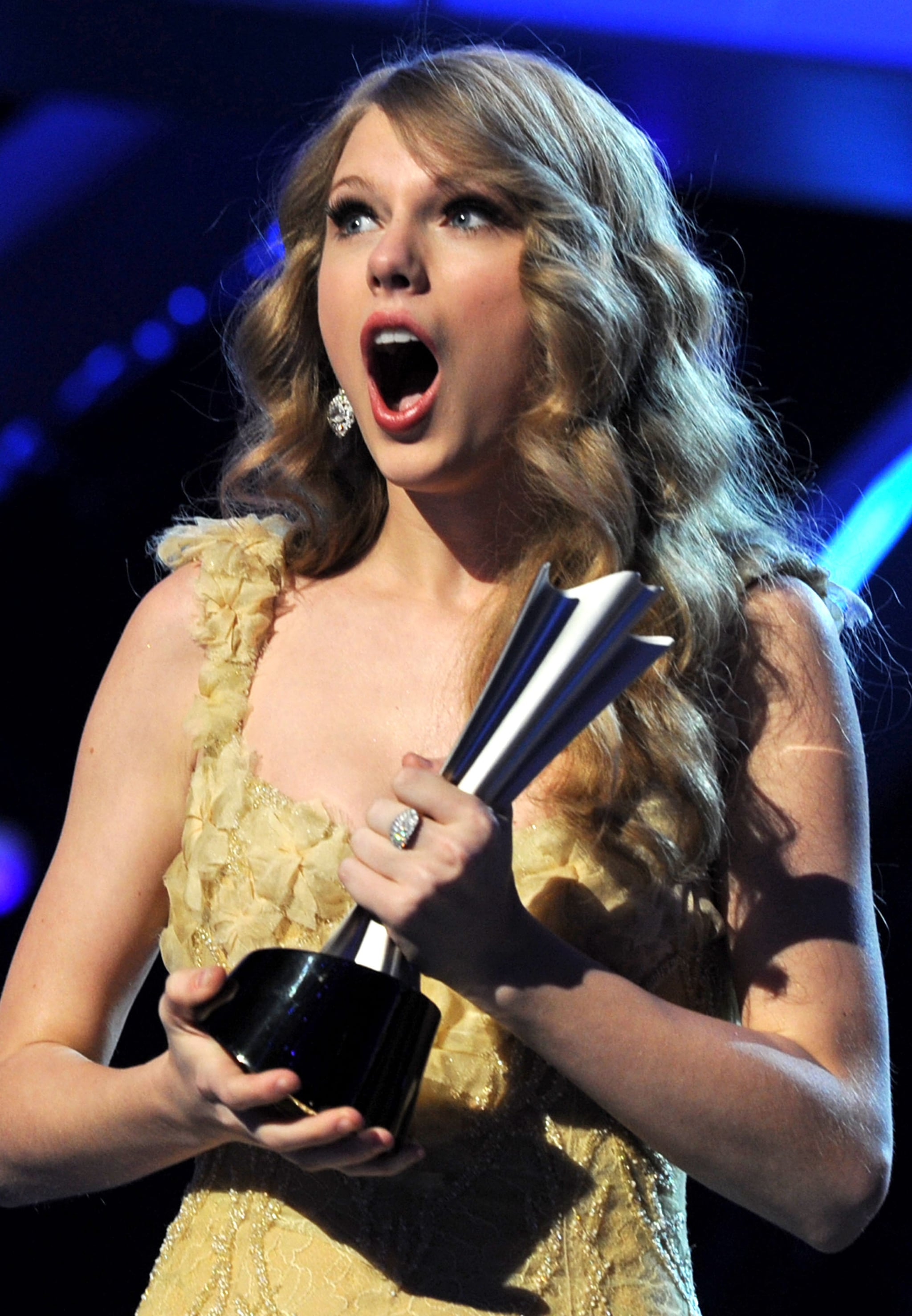 She had a jaw-dropping moment at the ACMs in April 2011.