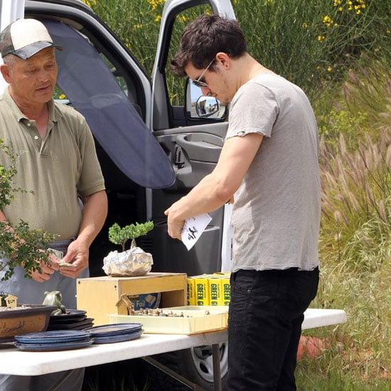 Pictures of Orlando Bloom Buying a Bonsai Tree in Malibu