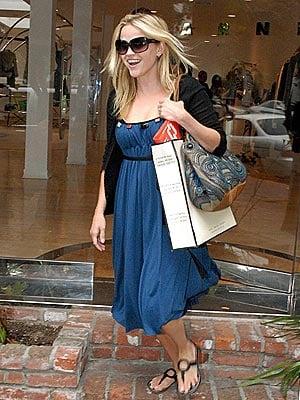 How to Dress Like Reese