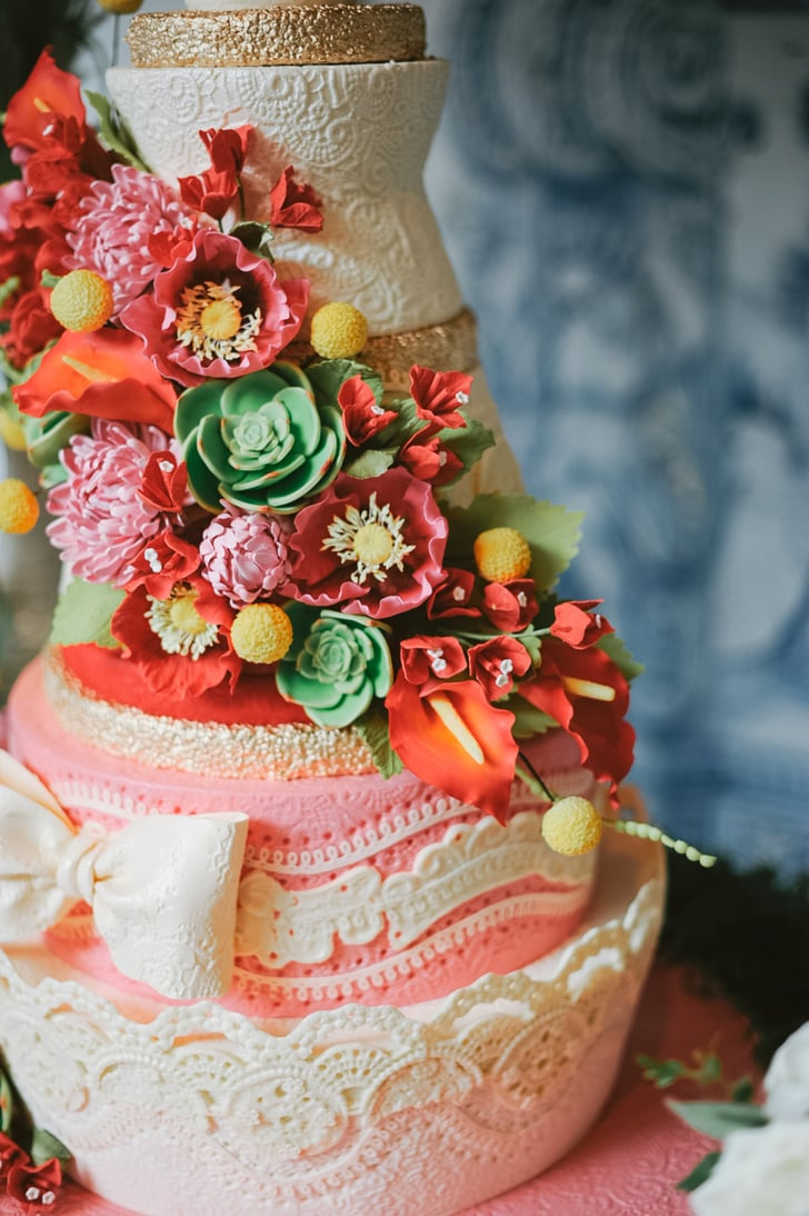 10 Lovely, Lacy Wedding Cakes