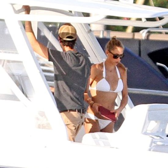 Anna Kournikova in a Bikini With Enrique Iglesias | Photos