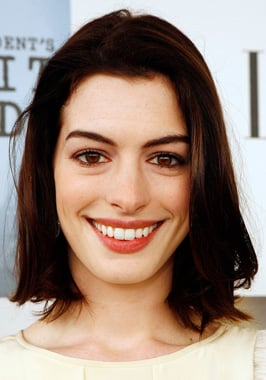 Anne Hathaway's Hair and Makeup at the 2009 Independent Spirit Awards
