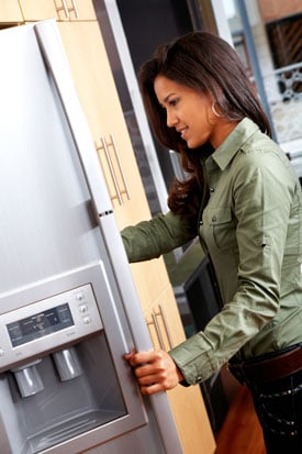Keep Less Food in Your Fridge to Keep Your Willpower Intact