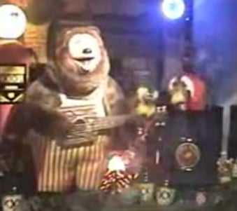 """Rock-afire Explosion Sings """"Love in This Club"""" by Usher"""