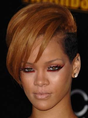 Photos of Rihanna at the 2009 American Music Awards