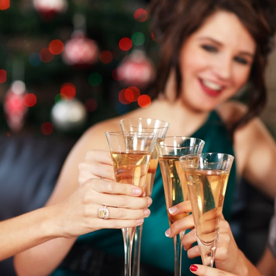 How to Navigate Holiday Parties While Dieting