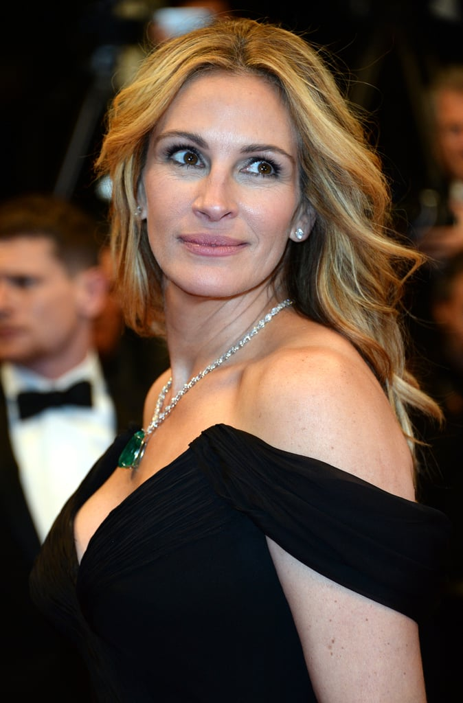 It was movie star curls and a rosy lip for Julia Roberts at the Money Monster premiere.
