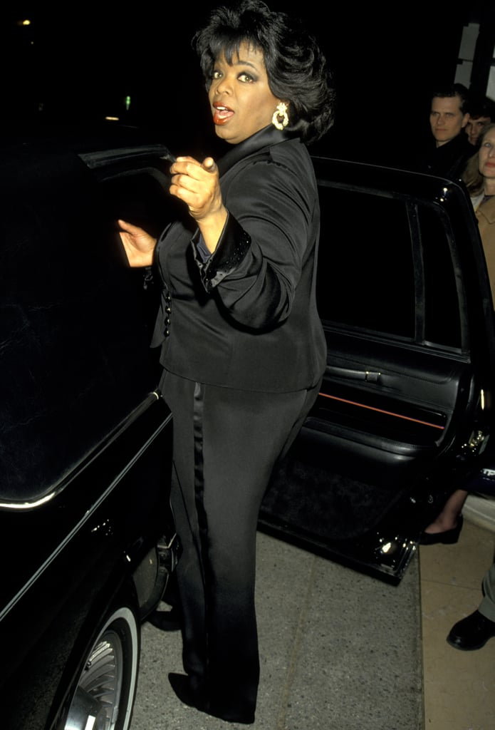 Oprah opted for a point instead of a wave as she entered her car in 1988.