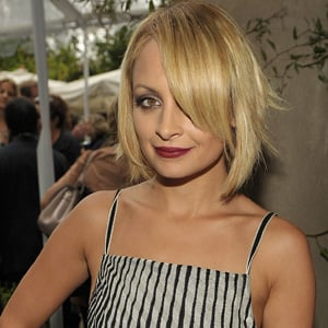 Nicole Richie Marries Joel Madden in a custom made Marchesa Gown