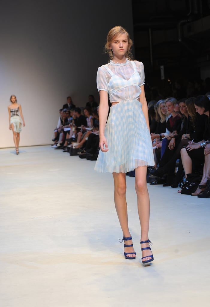 Christopher Kane Sends Out Gingham Girls for Spring 2010