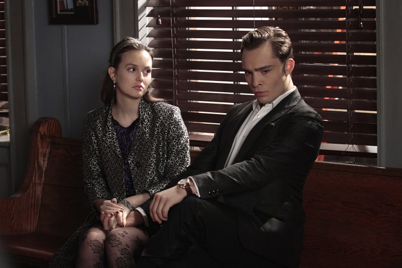 At first, Blair and Chuck try for a no-frills courthouse wedding.