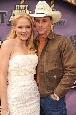 Jewel Marries Longtime Boyfriend Ty Murray