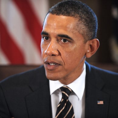 Obama Offers to Look at Engineer's Résumé