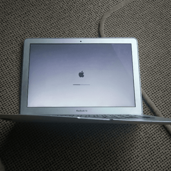 MacBook Air Survived Airplane Fall