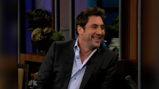 Video of Javier Bardem Talking About Christmas With Penelope Cruz and Guest Starring on Glee