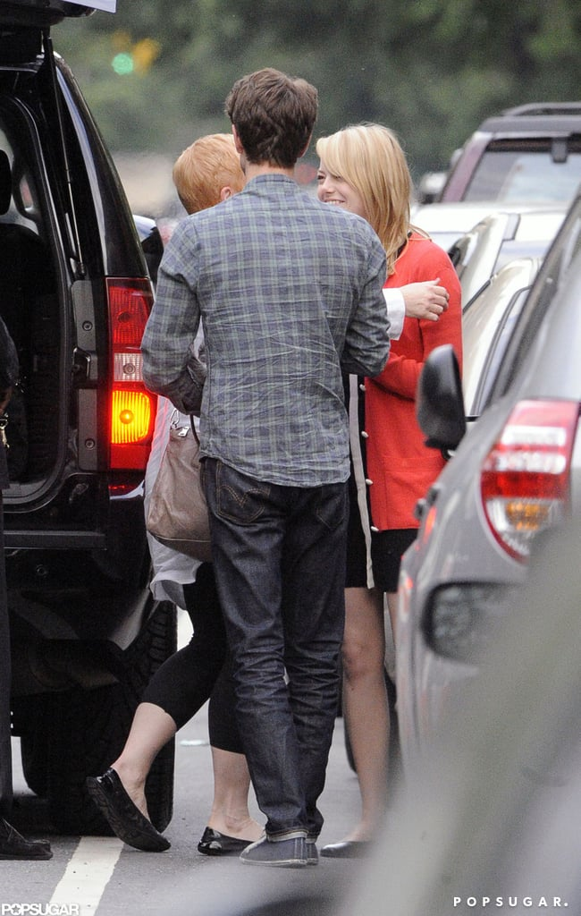 Emma Stone and Andrew Garfield hugged her mom goodbye on Mother's Day after a visit in NYC.