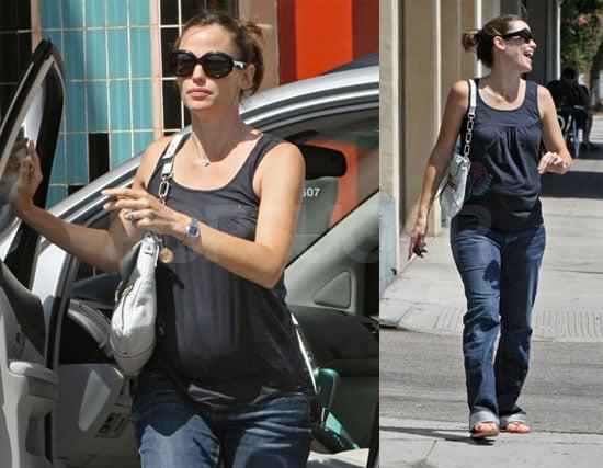 Photos of Jennifer Garner at the Nail Salon in Brentwood