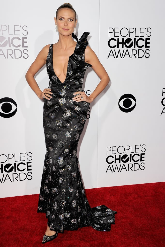 Heidi Klum sported her signature sexy look at the People's Choice Awards.