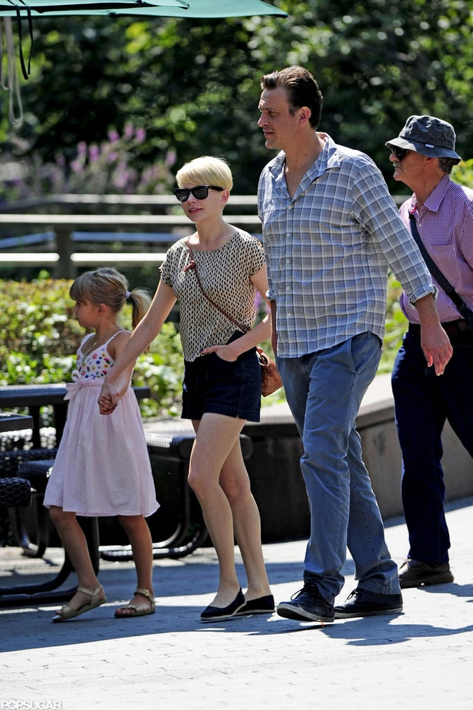 Michelle Williams, Jason Segel, and Matilda Ledger walked through the Bronx Zoo together.