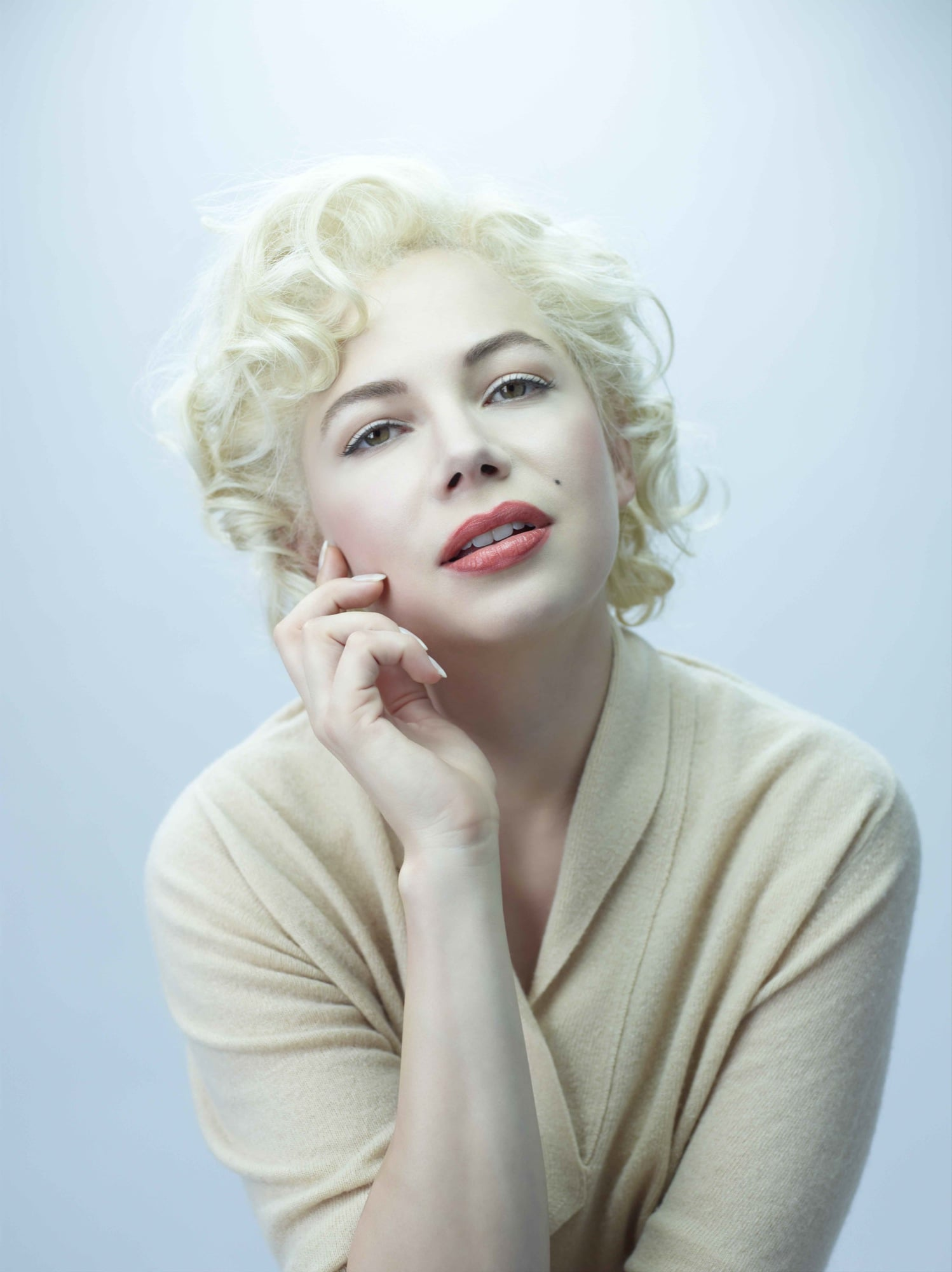Michelle Williams transformed into Marilyn Monroe for her upcoming My Week With Marilyn.