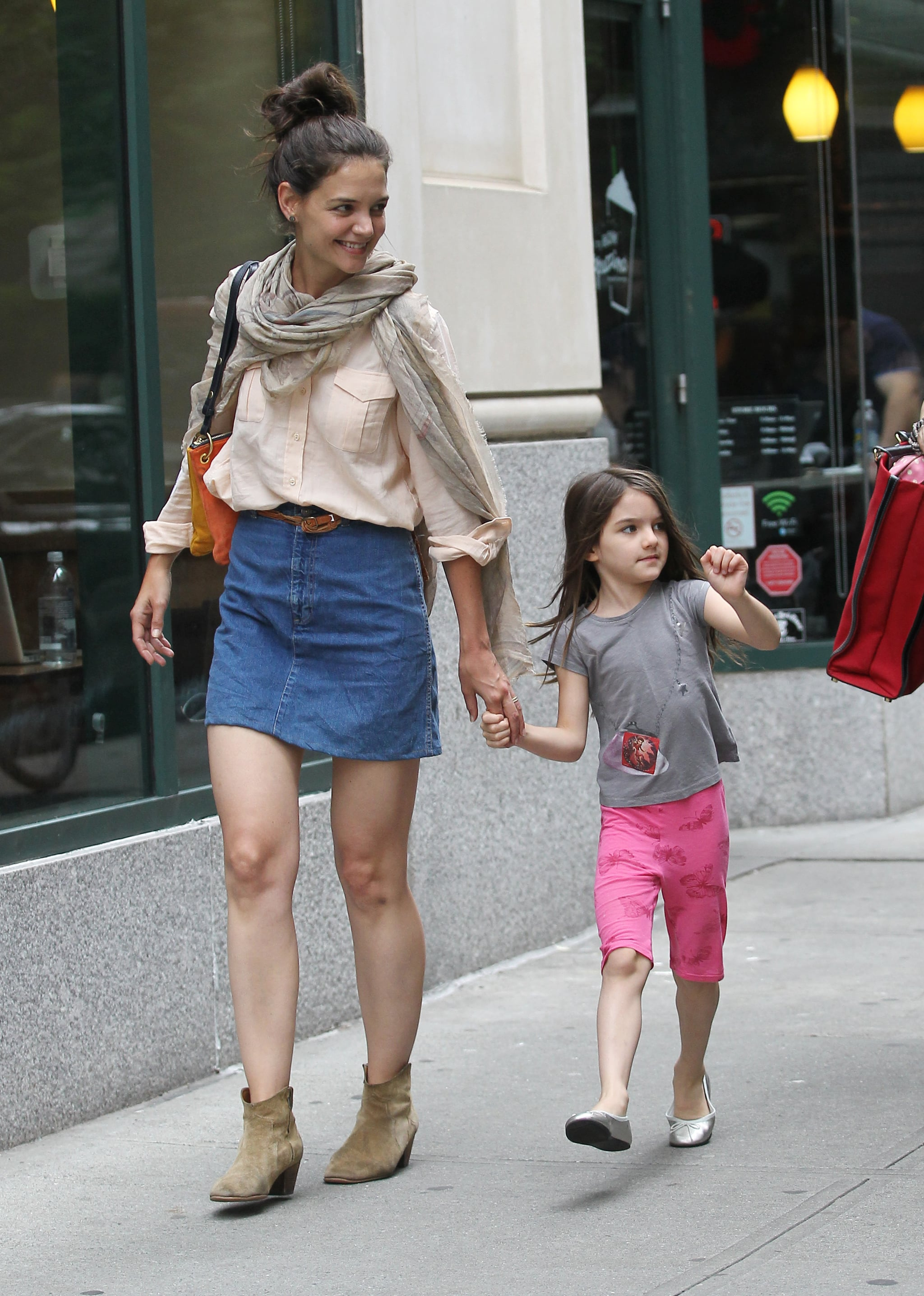 Katie Holmes wore boots while Suri Cruise wore flats in ...