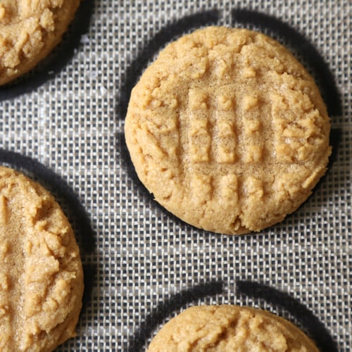 Easiest (Ever!) Peanut Butter Cookies